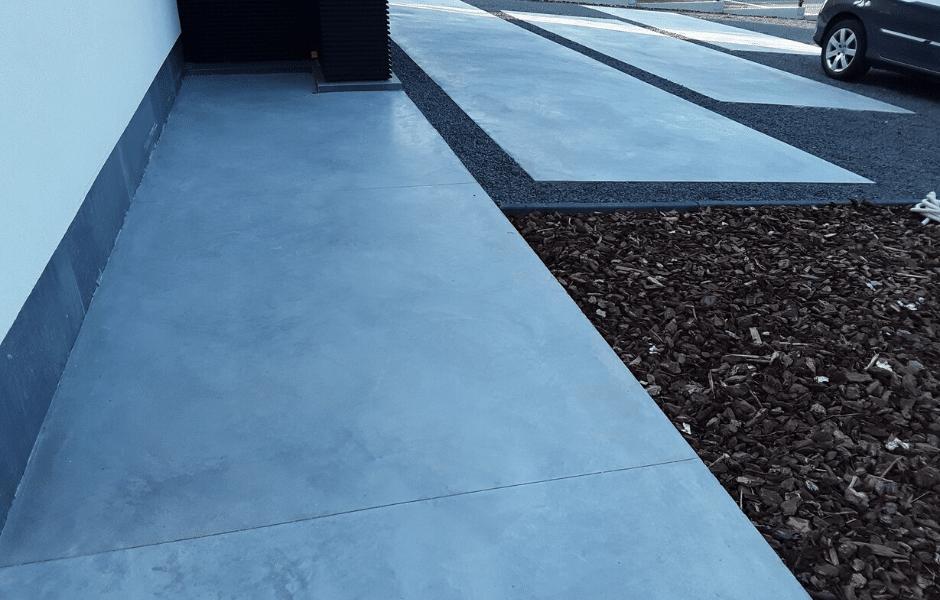 oprit en tuinpaden in gepolierde beton